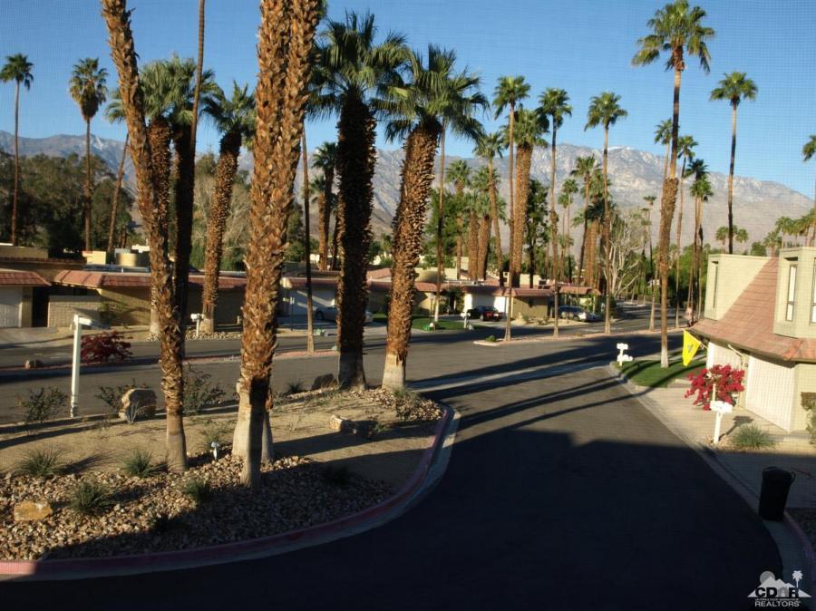 68876 Calle Santa Fe, Cathedral City, California